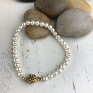 Jewelry - Freshwater Mini Pearls Bracelet - Gold Filigree